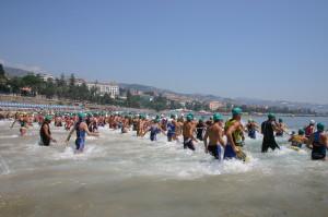 La partenza del Sanremo Olympic Triathlon 2005